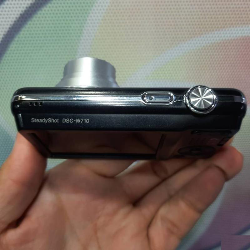 Sony دوربین سونی W710