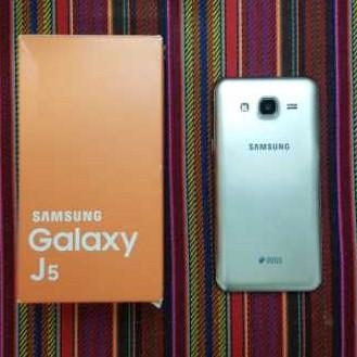 Samsung سامسونگ j5 2015