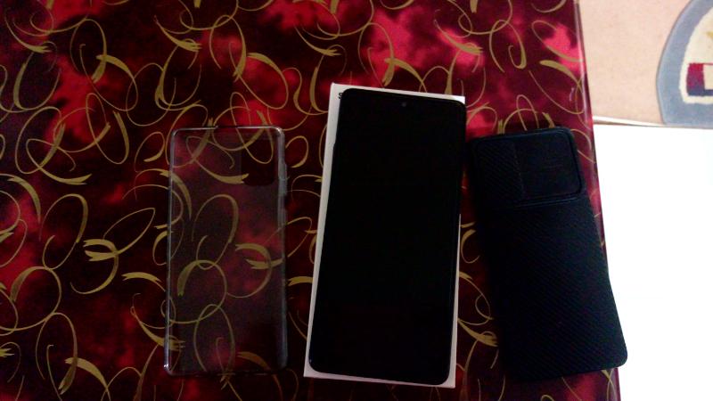 Samsung A71 128g ram8