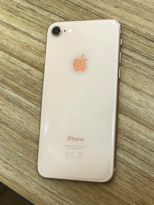 Apple  یفون 8 گلد