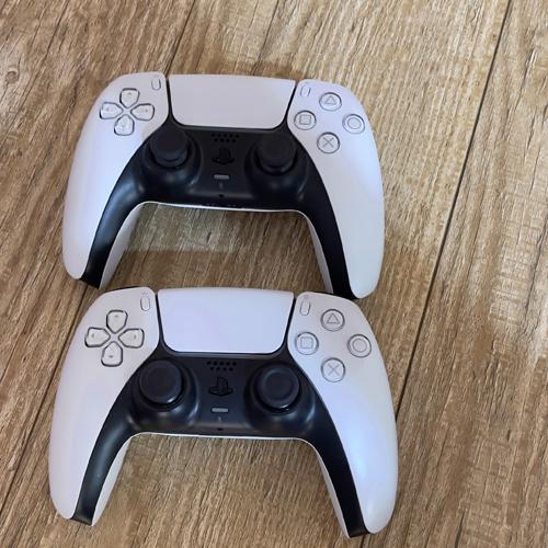 پلی استیشن 5 به همراه 5 بازی اورجینال